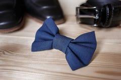Biznesmenów akcesoria Mężczyzna ` s styl Mężczyzna ` s akcesoria: Mężczyzna ` s motyl, mężczyzna ` s buty, mężczyzna ` s zegarki Zdjęcie Royalty Free