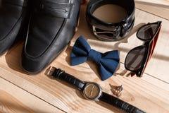 Biznesmenów akcesoria Mężczyzna ` s styl Mężczyzna ` s akcesoria: Mężczyzna ` s motyl, mężczyzna ` s buty, mężczyzna ` s zegarki Fotografia Royalty Free