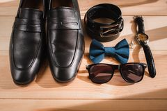 Biznesmenów akcesoria Mężczyzna ` s styl Mężczyzna ` s akcesoria: Mężczyzna ` s motyl, mężczyzna ` s buty, mężczyzna ` s zegarki Zdjęcia Royalty Free