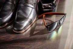 Biznesmenów akcesoria Mężczyzna ` s styl Mężczyzna ` s akcesoria: Mężczyzna ` s motyl, mężczyzna ` s buty, mężczyzna ` s zegarki Obrazy Stock