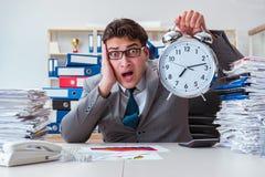 Biznesmenów brakujący ostateczni terminy należni przesadna praca Zdjęcie Royalty Free