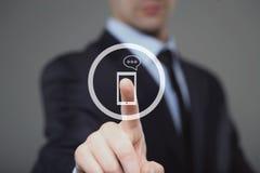Biznesmenów stuknięcia dzwonią ikonę na wirtualnym ekranie Zdjęcie Royalty Free