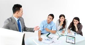 Biznesmen daje prezentaci Zdjęcie Stock