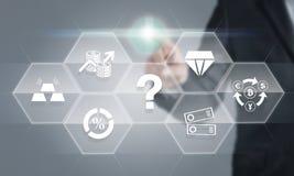 Biznesmen dotyka ekran o pieniężnej inwestyci instrumentach fotografia royalty free