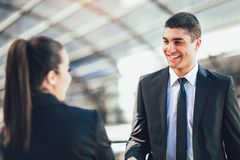 Biznesmen I bizneswomany Trząść ręki zdjęcia stock