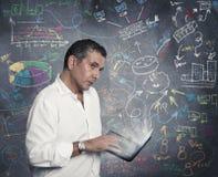 Biznesmen i nowy biznesowy pomysł fotografia stock