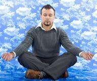 Biznesmen jako joga medytacja Zdjęcia Royalty Free