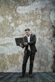 biznesmen jego laptopa Zdjęcia Royalty Free