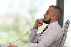 Biznesmen na telefonie obrazy royalty free