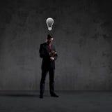 Biznesmen nad czarnym tłem Biznesowy i biurowy pojęcie Obraz Stock