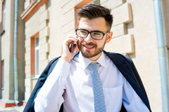 Biznesmen opowiada na telefonie Obrazy Stock