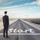 Biznesmen patrzeje horizont Zdjęcia Stock