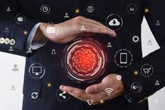Biznesmen pokazuje globalnych networking dane na projekta ekranie zdjęcie royalty free