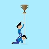 Biznesmen próba dostawać trofeum pojęcie Fotografia Royalty Free