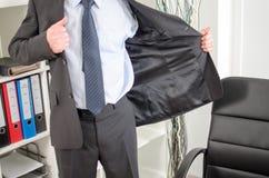 Biznesmen przyjeżdża przy biurem Zdjęcie Stock