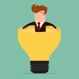 Biznesmen relaksuje i chlapnąć w lightbulb pomysle Obraz Royalty Free