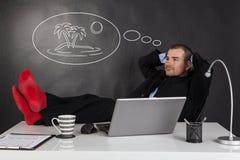 Biznesmen relaksuje i marzy Zdjęcia Stock