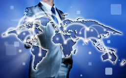 Biznesmen robi decyzi na strategii biznesowej, globalizacja Obrazy Stock