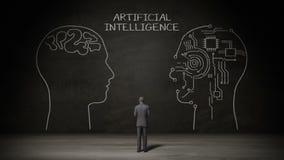 Biznesmen stoi czerni ścianę, Handwriting Ludzkiej głowy kształt, pojęcie 'Sztuczna inteligencja' przy chalkboard royalty ilustracja