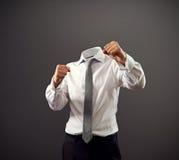 Biznesmen stooding w walczącej postawie obraz stock