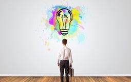 Biznesmen szuka nowego pomys? obraz royalty free