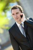 Biznesmen target71_0_ na telefon komórkowy Zdjęcia Stock