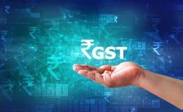 Biznesmen Trzyma GST India słowo fotografia stock