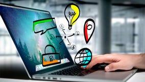 Biznesmen trzyma ręka rysującą ikonę biznes, multimedia Obraz Stock