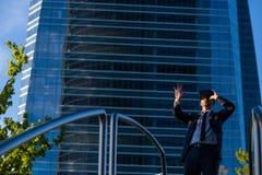 Biznesmen Używa rzeczywistość wirtualna szkła Obraz Stock