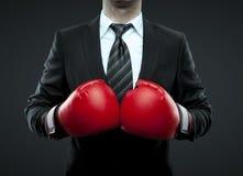 Biznesmen w bokserskich rękawiczkach Obraz Royalty Free