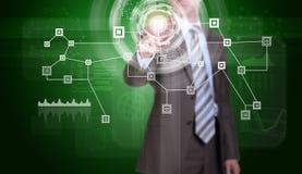 Biznesmen w kostiumu palcu naciska wirtualnego guzika Zdjęcia Stock