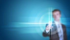 Biznesmen w kostiumu palcu naciska wirtualnego guzika Fotografia Royalty Free