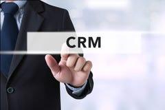 Biznesmen wręcza wzruszającego klienta związku zarządzanie (lub Obraz Stock