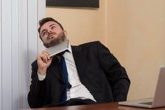 Biznesmen z komputerem obraz royalty free