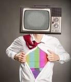 Biznesmen z starą retro telewizją zdjęcia stock