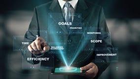 Biznesmen z systemy zarządzania wydajnością holograma pojęciem zbiory