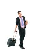 Biznesmen z walizką obraz royalty free