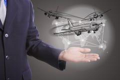Biznesmena chwyta logistycznie biznesowy świat Zdjęcie Stock