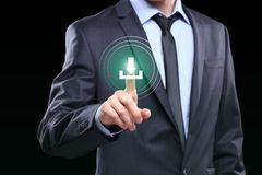 Biznesmena dosunięcia ściągania ikona z wirtualnym ekranem Fotografia Stock