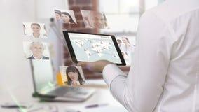 Biznesmena gmeranie dla nowych pracowników zdjęcie wideo