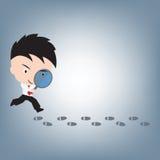 Biznesmena gmeranie lub patrzeć odcisk stopy, ilustracyjny wektor w płaskim projekcie Zdjęcia Stock