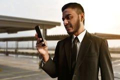 Biznesmena gniewny wyrażenie na plenerowym zdjęcia royalty free