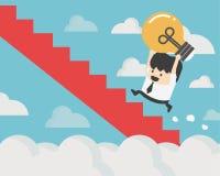 Biznesmena mienia żarówka chodzi w górę schodków, Biznesowy Succes Fotografia Stock