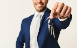 Biznesmena mienia domu klucze Fotografia Stock