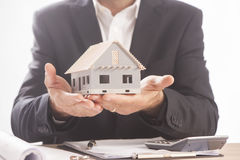 Biznesmena mienia modela dom Obraz Stock