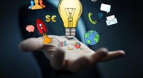 Biznesmena mienia multimedii i lightbulb ręki rysować ikony Obraz Stock