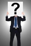 Biznesmena mienia papieru przedstawienie pytanie Obraz Royalty Free
