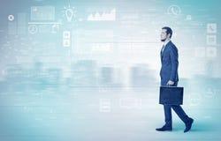 Biznesmena odprowadzenie z bazy danych pojęciem wokoło Obrazy Stock