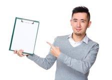 Biznesmena palca punkt schowek Zdjęcia Stock