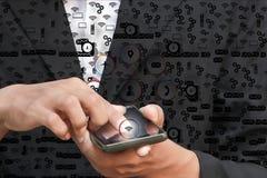 biznesmena palca ręki dotyk naciska nowożytnego socjalny zapina ikony tło Fotografia Stock